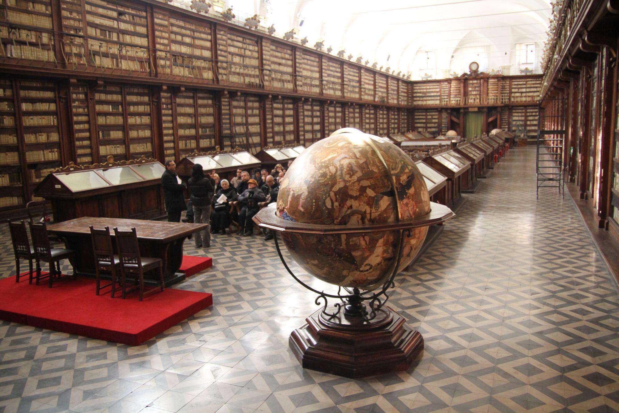 Resultado de imagem para Biblioteca Casanatense