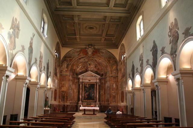 Santa prisca interno nei pilastri sono visibili le for Aggiornare le colonne del portico