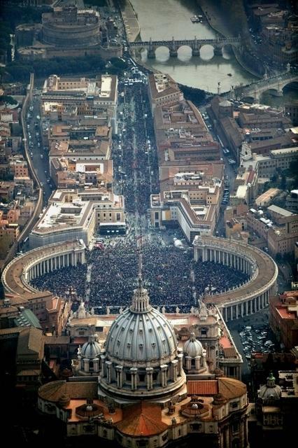 8 APRILE 2005 - I funerali di Giovanni Paolo II dans immagini varie