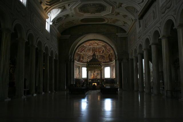 San pietro in vincoli interno con le colonne di sisto iii - Giulio iacchetti interno italiano ...
