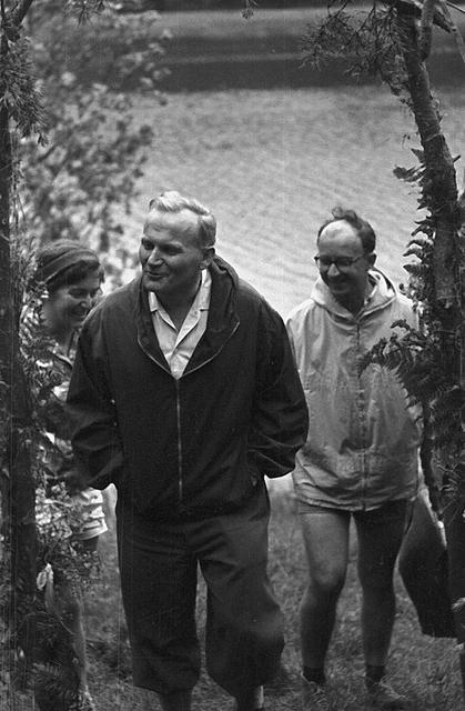 Karol Wojtyła, vice-parroco di S. Floriano e cappellano universitario: l'esperienza del gruppo Środowisko